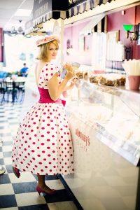 robe à pois courte